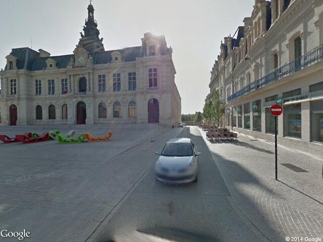 Google street view poitiers google maps for Vienne poitiers