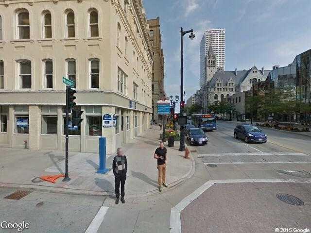 Google Street View Milwaukee.Google Maps.